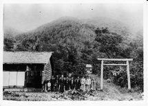 植芝が建立発起人だったとされる上白滝神社